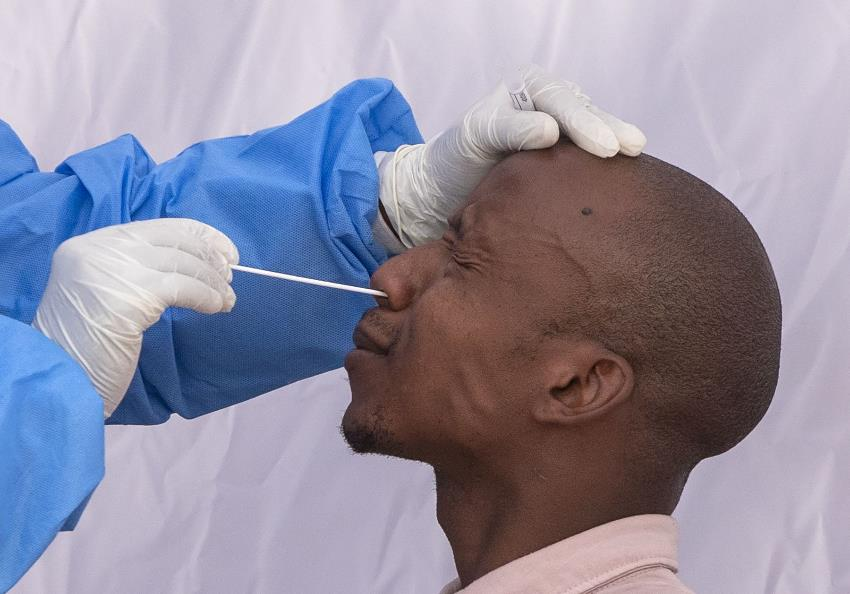 South Africa´s hotspot limits most testing to above age 55